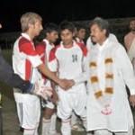 Muhammad Aslam Bhatt (Supply Officer, CAA Multan) meets DFA Bahawalpur vs Muslim FC Chaman players