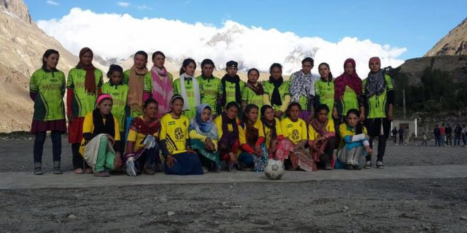 This Women's Football Club In A Village In Hunza Is Allowing Girls To Step Out And Have Fun [MangoBaaz]