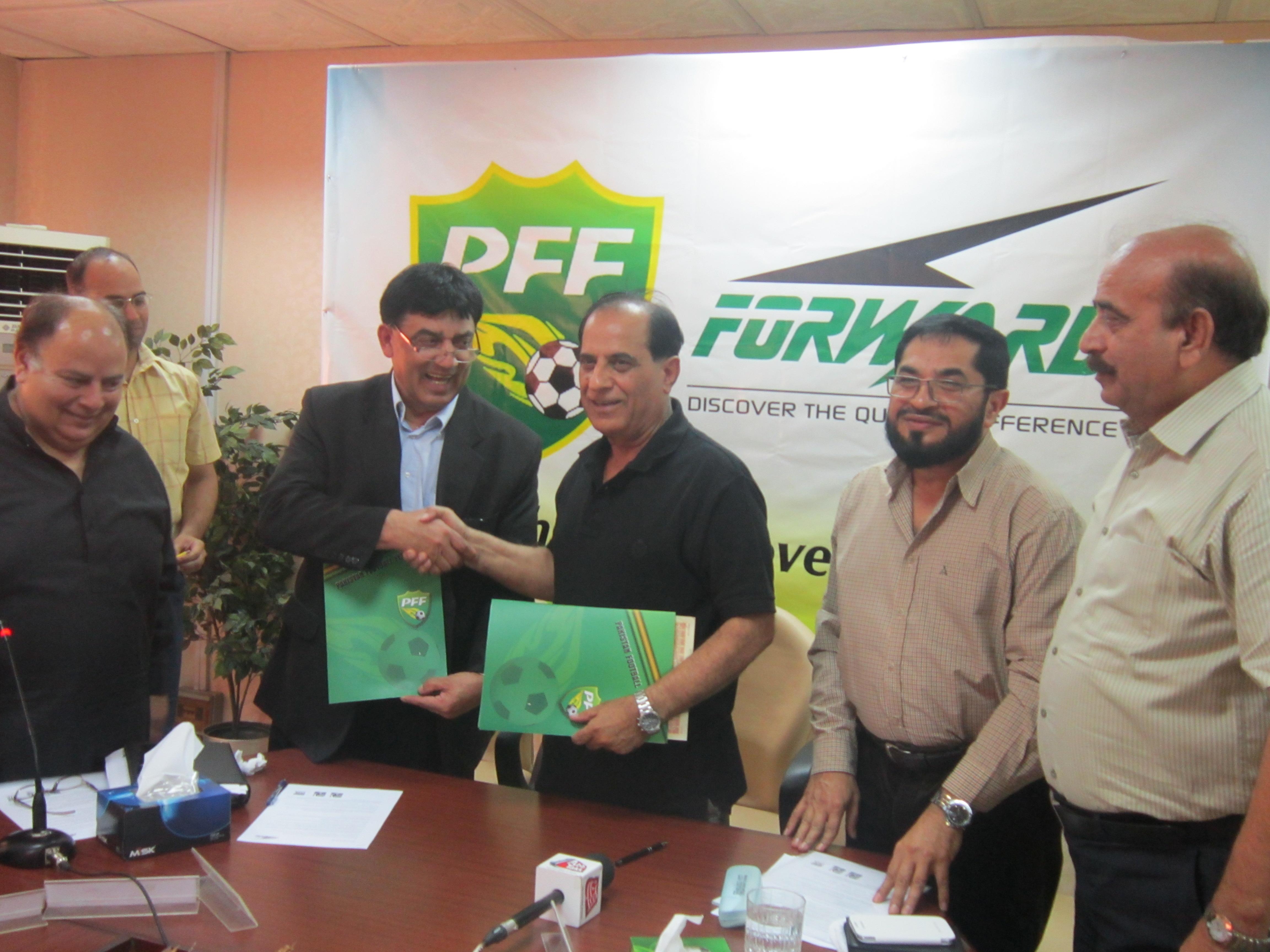 PFF & Forward Sports International sign Kit Sponsorship deal