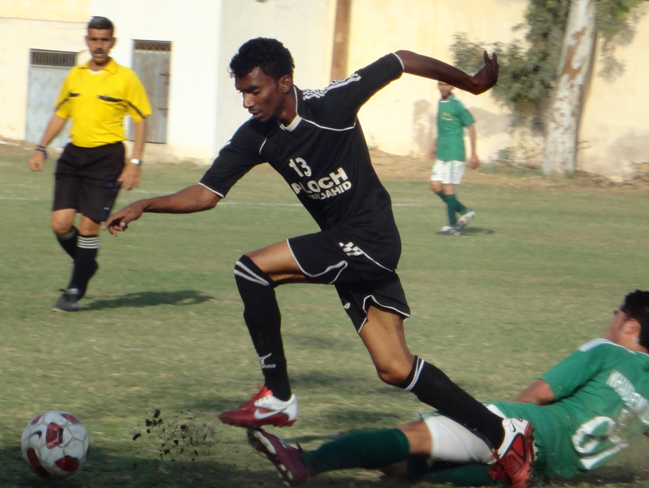 COCA COLA KARACHI LEAGUE 2014:  Khaber Muslim, FC Rovers and Azam Sports grab wins