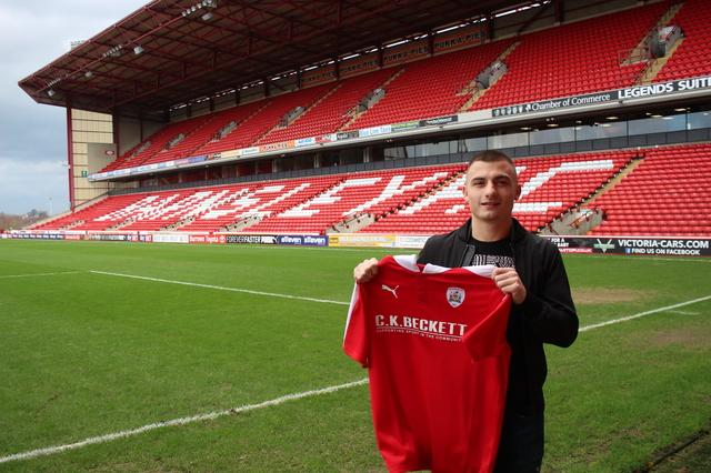 Otis Khan joins Barnsley FC