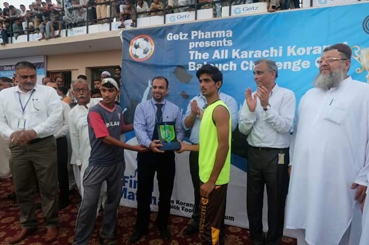 Umar Star FC get Fair Play award for Getz Pharma Korangi Baloch Challenge Cup 2016
