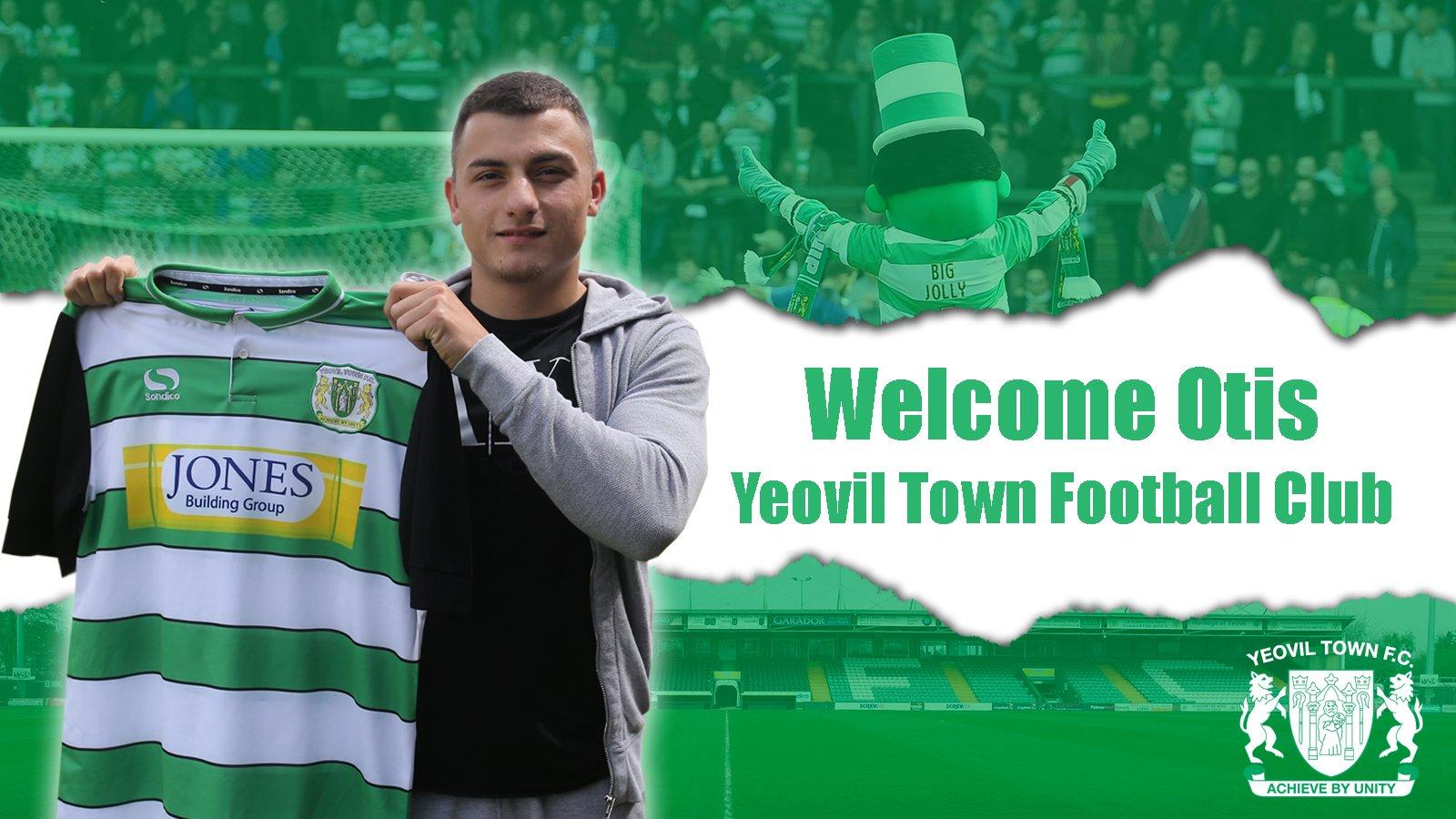Otis Khan joins Yeovil Town