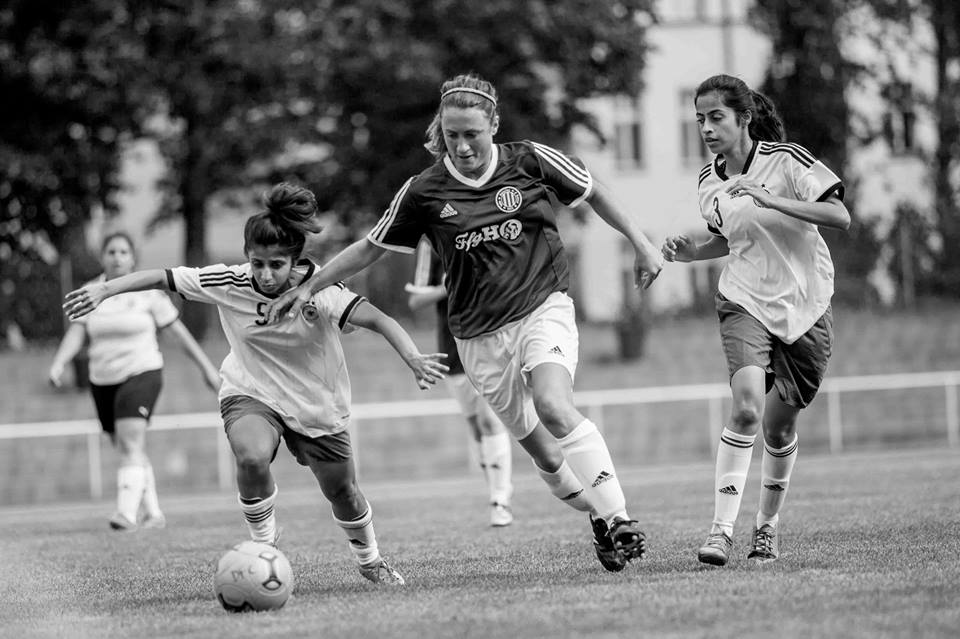 nina-zehri-and-sarah-ali-trying-to-keep-possession-discover-football