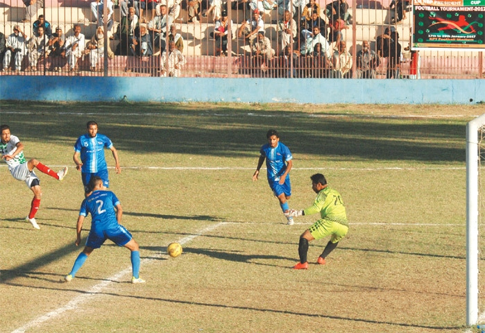 Murtaza stars, Kaleem sees red as KRL edge KE in thriller [Dawn]