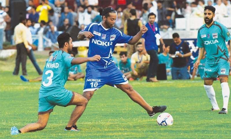 Riaz, Hassan strikes help Ronaldinho win series [The News]