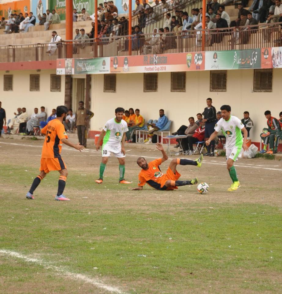 Dukki storm into Balochistan Football Cup semis [The News]
