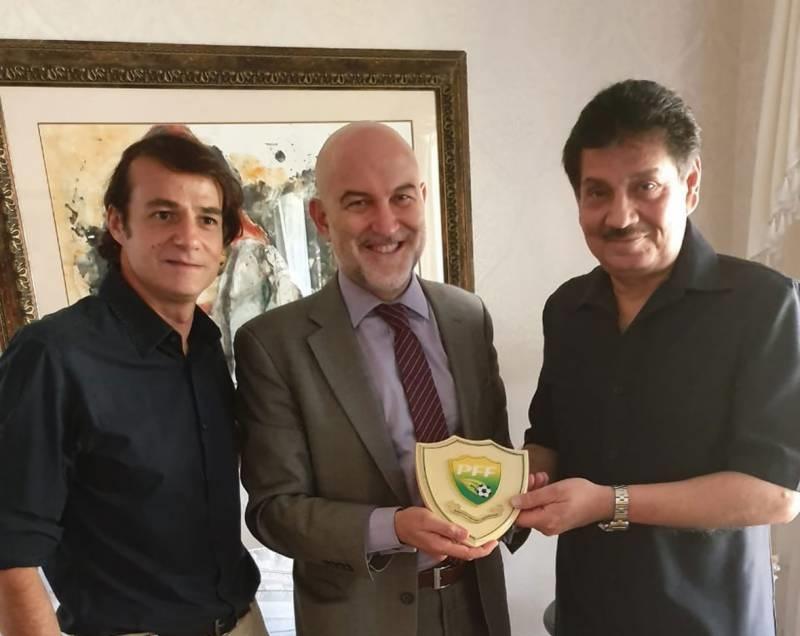 Spain Ambassador offers to help Pak football development [The Nation/The News]