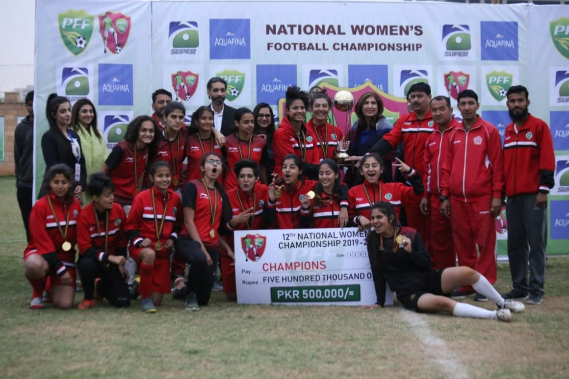 Pak Army trounces Karachi United 7-1 to lift NWFC trophy [Geo]