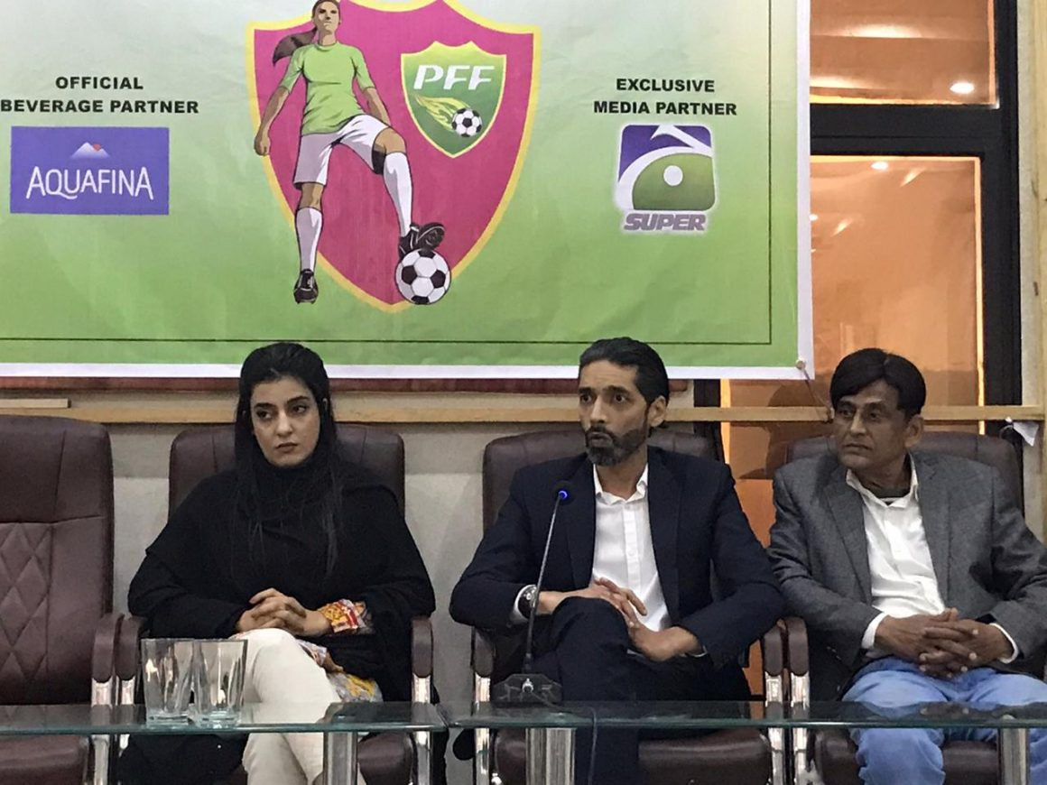'Pakistan footballers don't earn from playing' [The News]